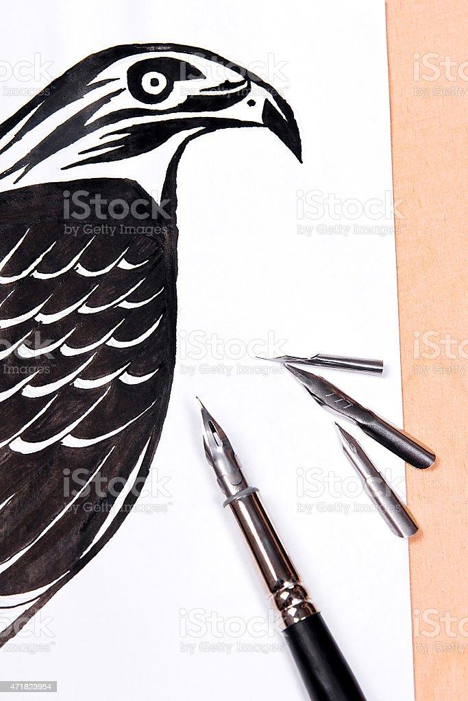 Pluma estilográfica con tinta dibujo hawk. illustracion libre de derechos libre de derechos