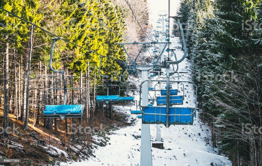 Живописный горнолыжный кресельный подъёмник stock photo