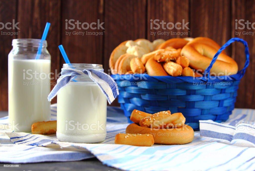 молоко в бутылке stock photo