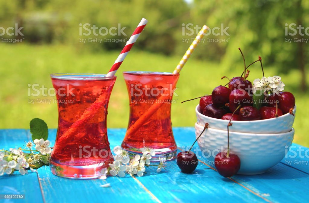 вишневый лимонад stock photo