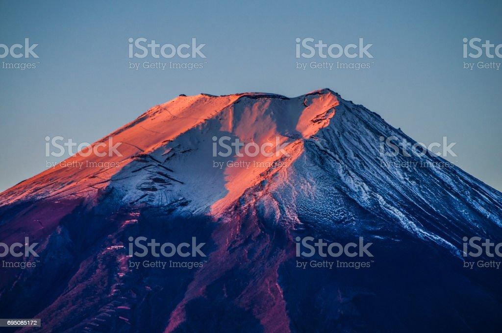 日本 世界遺産 富士山 赤富士 朝日 stock photo