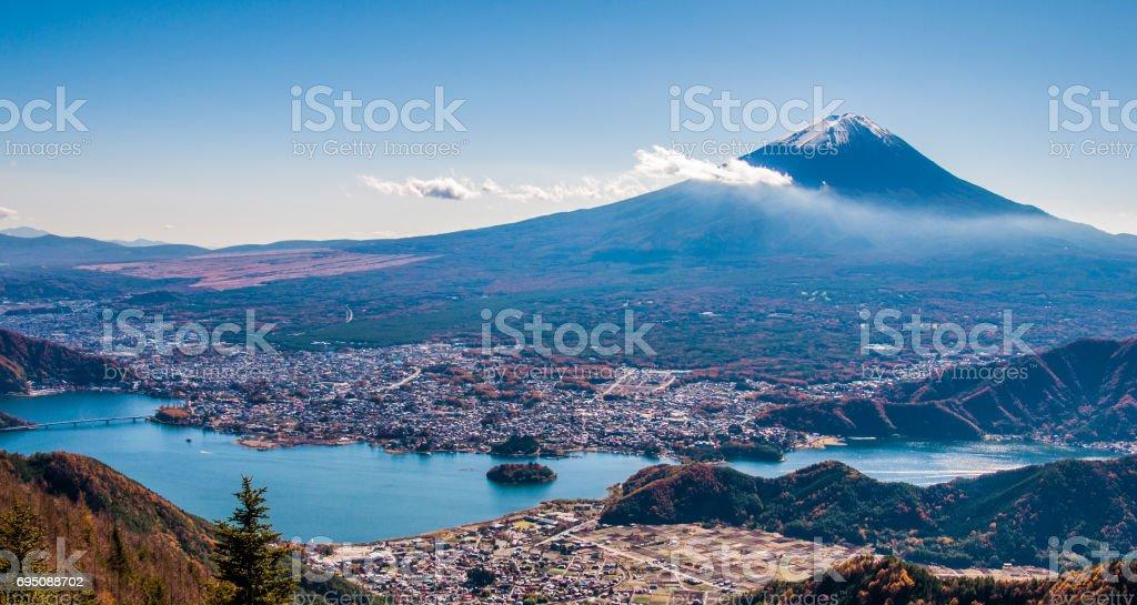 日本 世界遺産 富士山 河口湖 新道峠 stock photo