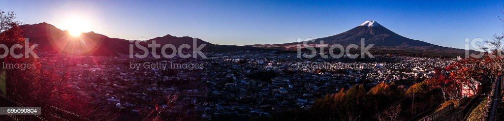 日本 世界遺産 朝日と富士山 パノラマ撮影 stock photo