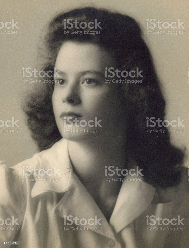 1940s portrait of a beautiful young woman stock photo