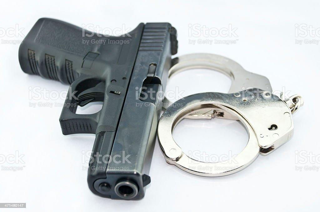 9 mm Ręczna broń palna automatyczne i handcuff zbiór zdjęć royalty-free