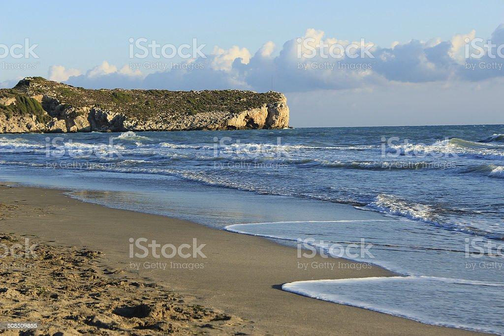 Покинутый пляж и море Стоковые фото Стоковая фотография