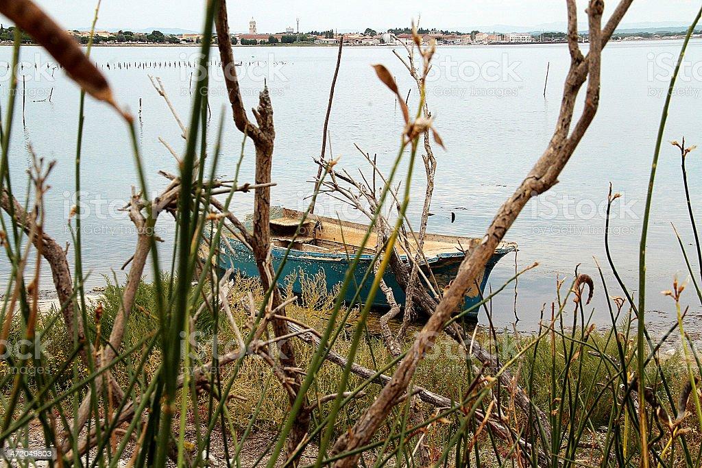 Abbandonato Blu barca, Marseillan foto stock royalty-free