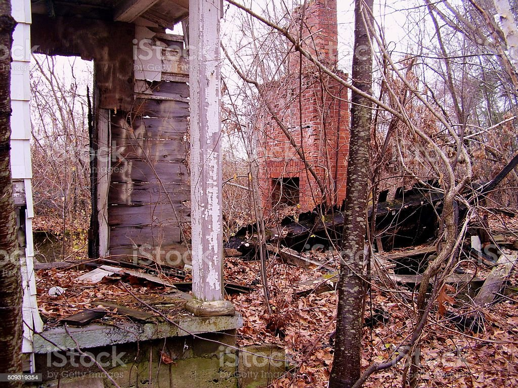 Abandonné la maison photo libre de droits