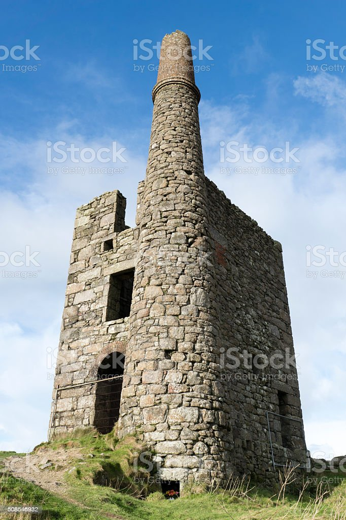 Abandoned tin mine on Cornish moorland stock photo