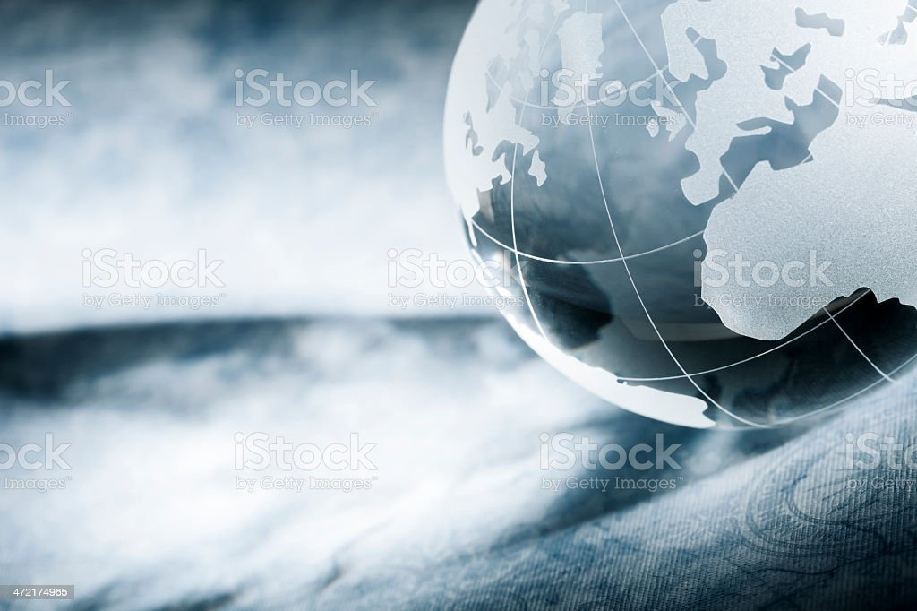 //www.thomas-vogel.de/istock/iss_crystal_earth.png