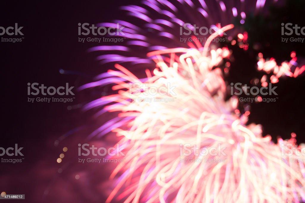 Абстрактный красный и фиолетовый свет взрыв blur фейерверки Стоковые фото Стоковая фотография