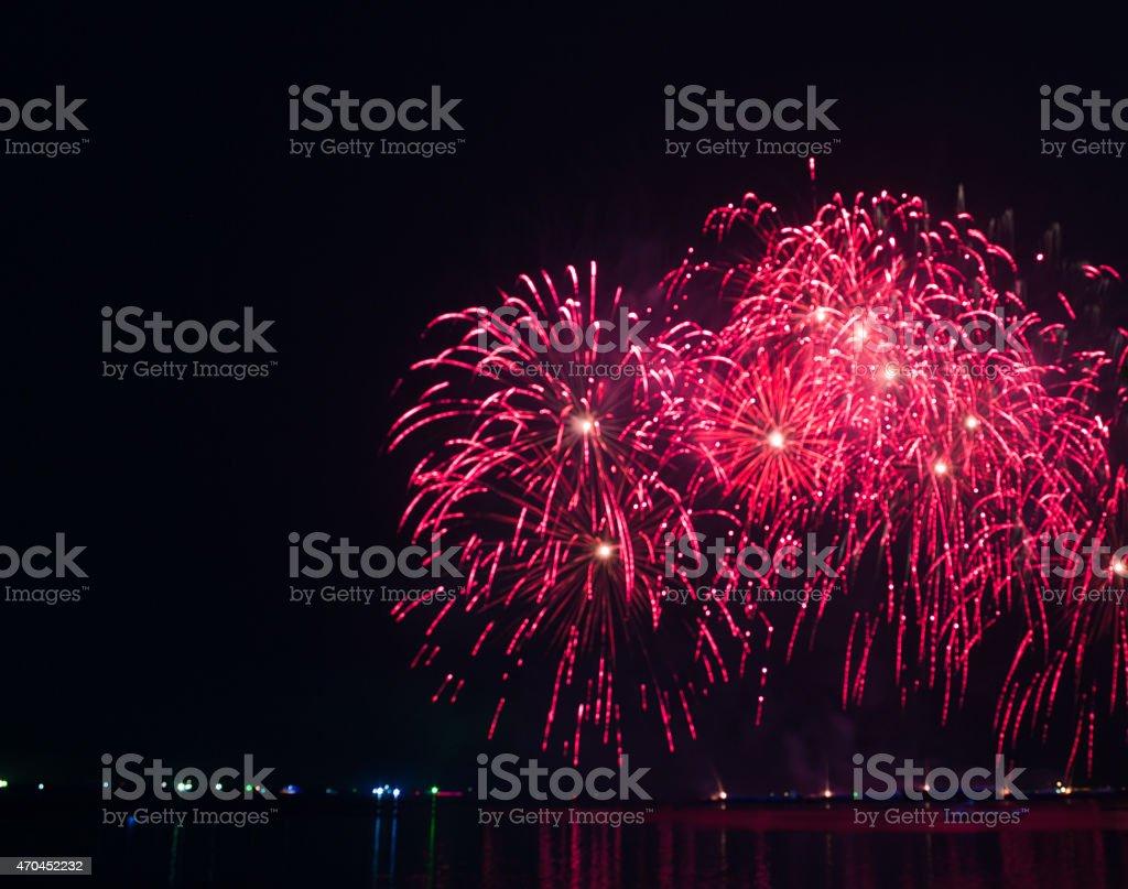 Абстрактный красный Яркий свет blur фейерверки в ночное время фоне Стоковые фото Стоковая фотография