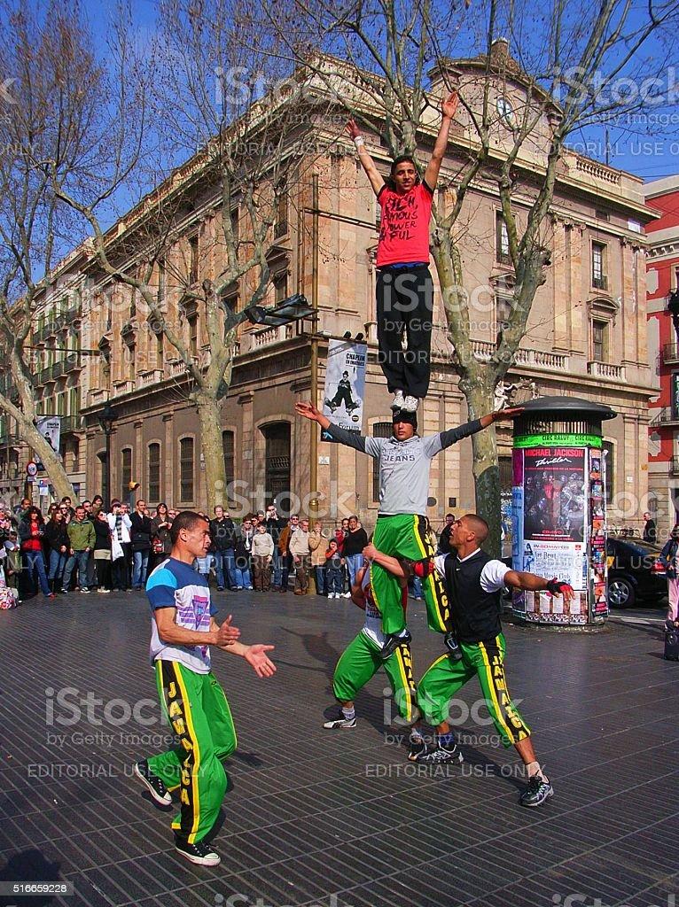 Acrobati di strada stock photo