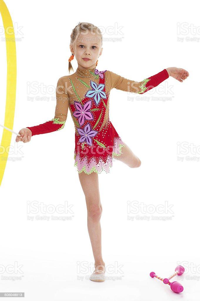 Adorable petite gymnaste de danse avec ruban photo libre de droits