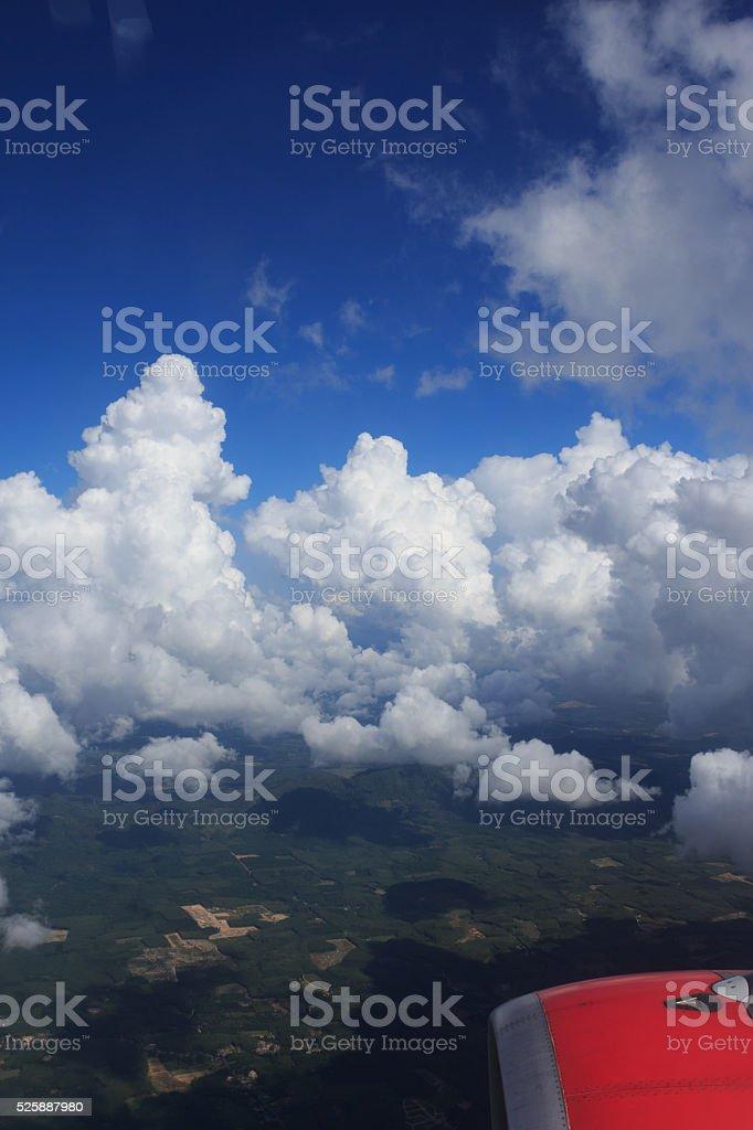 антенна вид сверху, из самолета air высокой пространство с clouds Стоковые фото Стоковая фотография