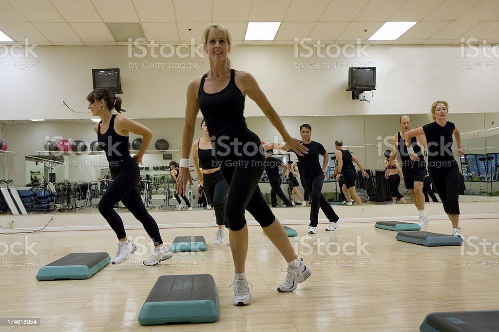 Lezione di aerobica allenamento foto stock royalty-free