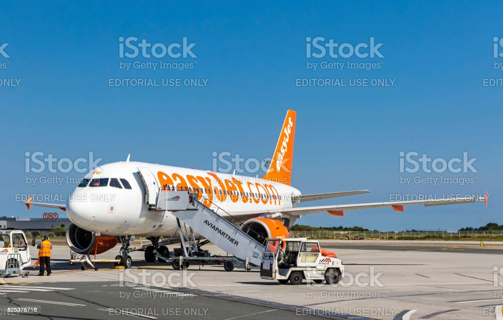 Airbus A319-111 (EasyJet) in Bordeaux-Merignac Airport stock photo
