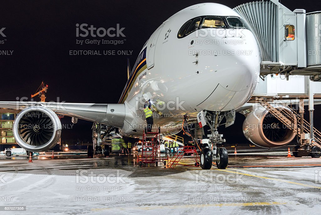 Airbus A350-900 9V-SMF Singapore Airlines stock photo