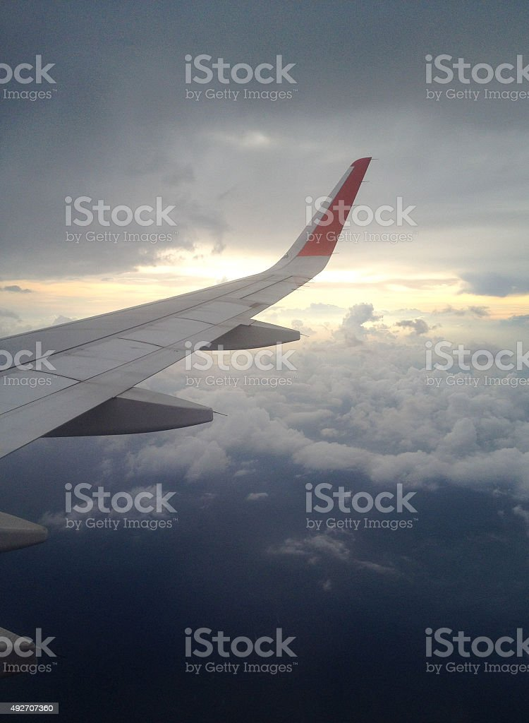 Самолет окна просмотра облаков и неба. Стоковые фото Стоковая фотография