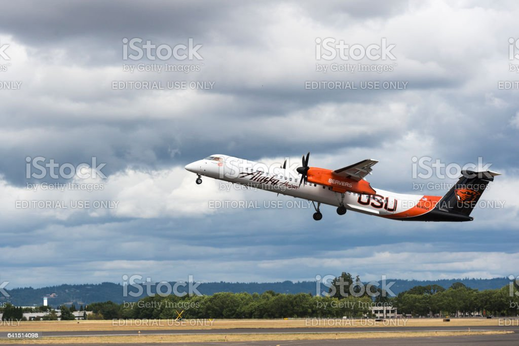 Alaska Horizon Airlines Bombardier Q400 turboprop Airshow Hillsboro stock photo