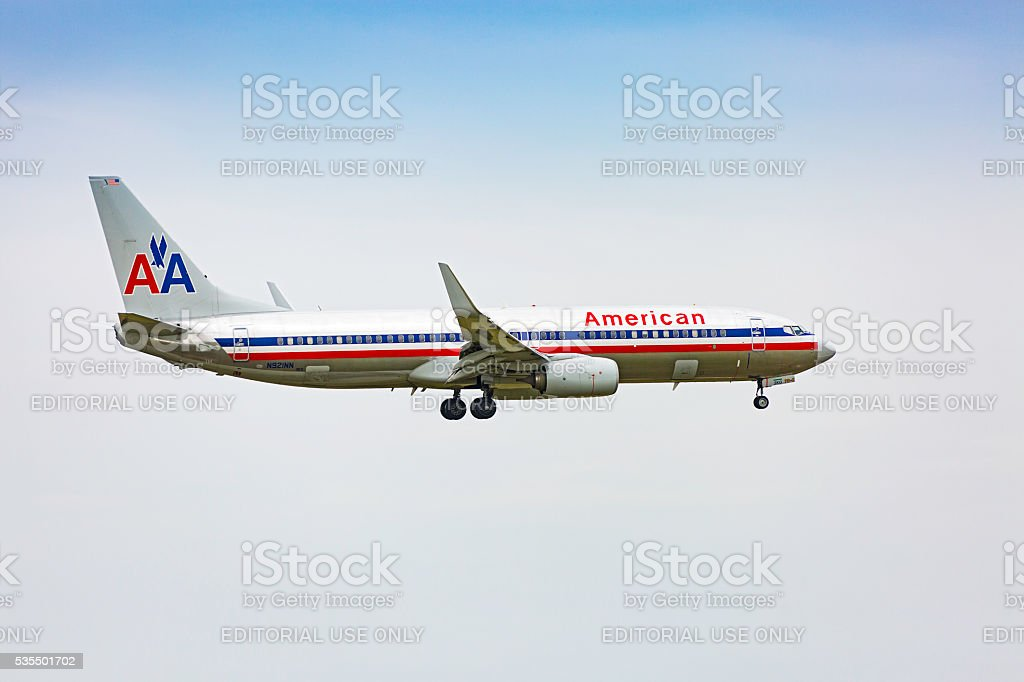 American Airlines Boeing 737-800 aircraft on landing approach stock photo