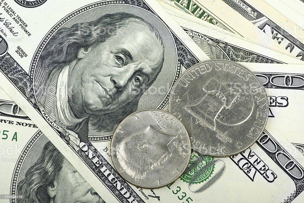 Dólar americano: Notas e moedas close-up foto de stock royalty-free