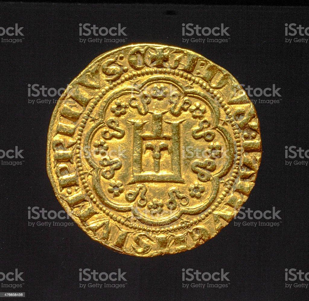 Древняя золотая монета символы геологии