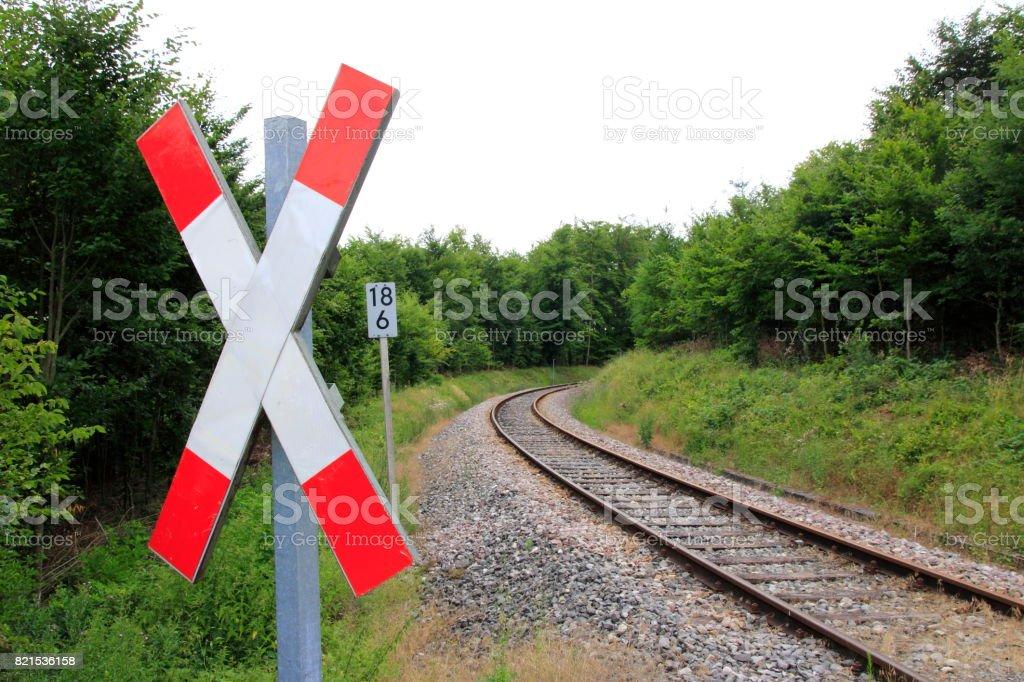 Andreaskreuz an einem Bahnübergang stock photo
