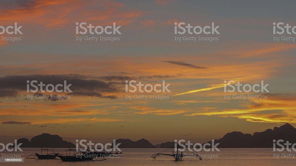 Anoceheciendo en Filipinas stock photo
