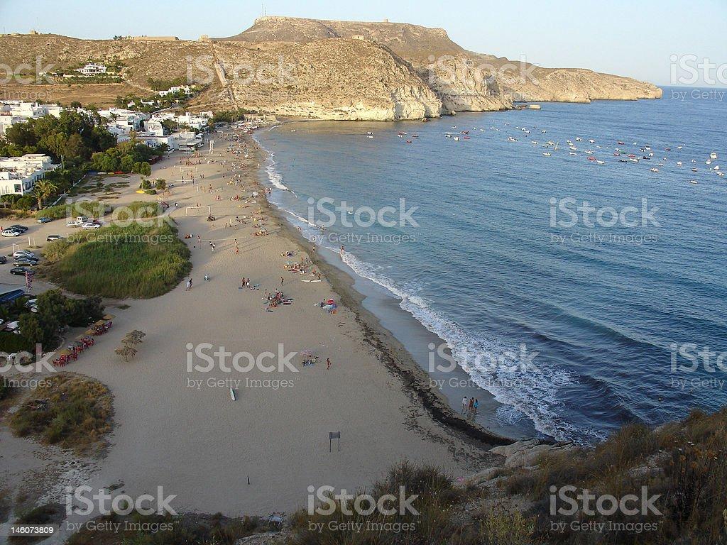 Anocheciendo en la playa stock photo