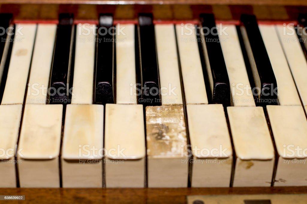 antikvariatas the old brown Grand piano with broken keys stock photo