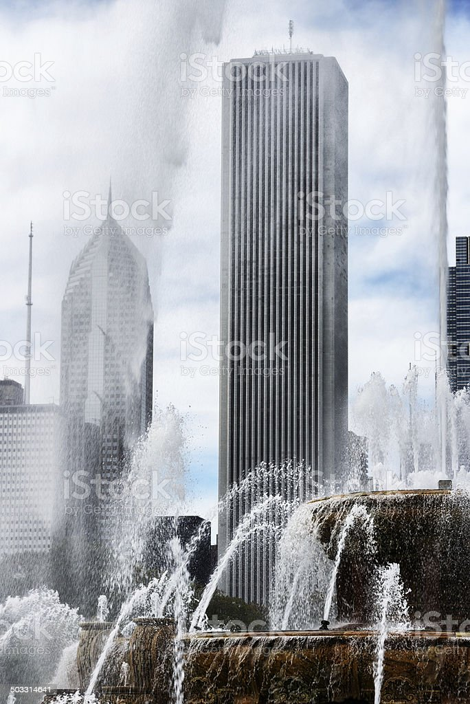 Aon Center and Buckingham Fountain, Chicago stock photo