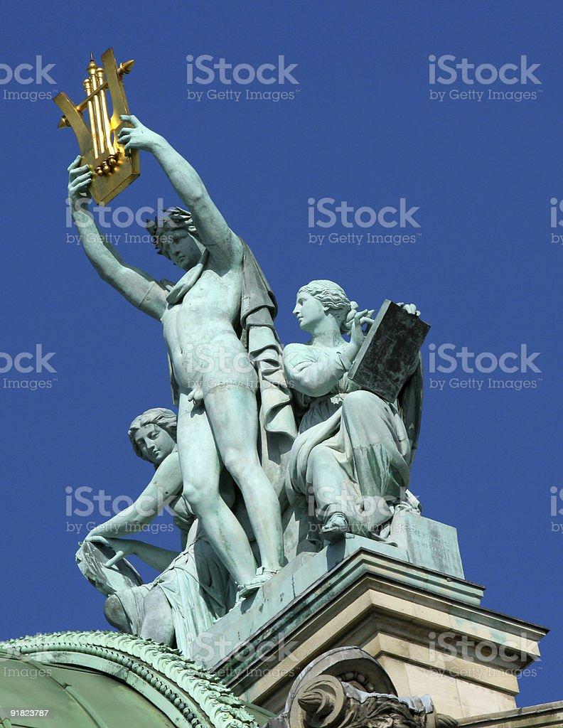 Apollon sur les toits à l'Opéra de Paris stock photo