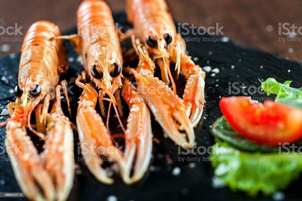Appétissante assiette de l'écrevisse. photo libre de droits