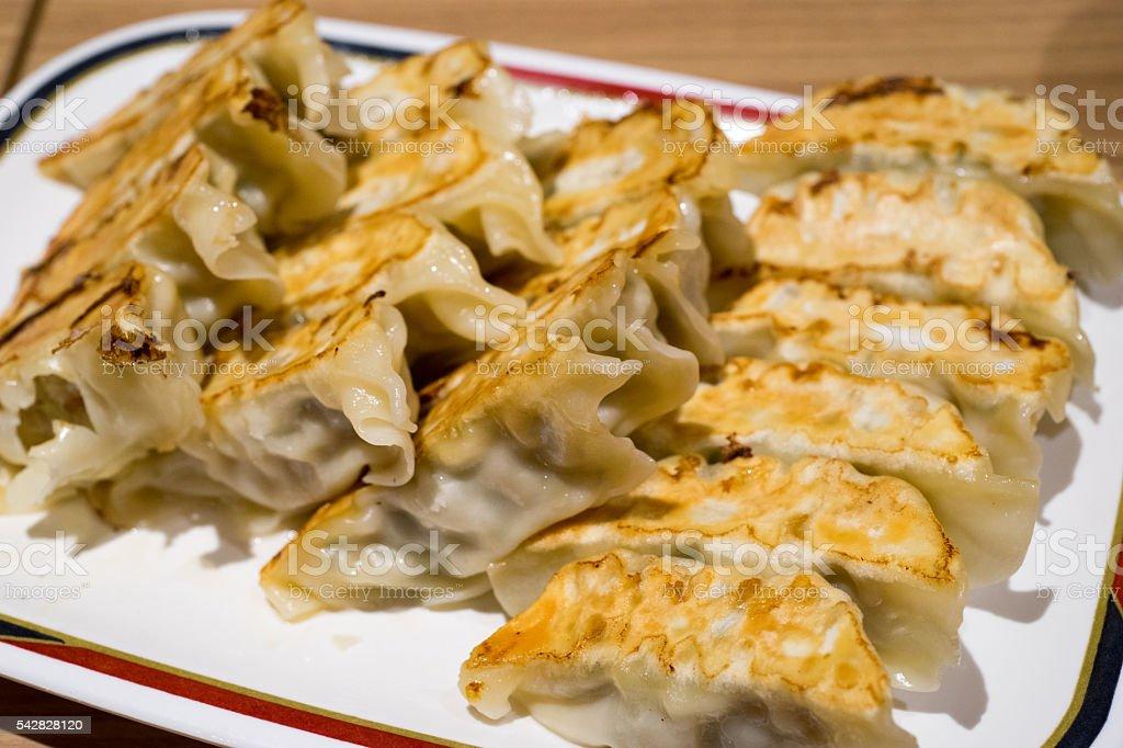 Appétissant les gyoza (cuisine japonaise, de la cuisine chinoise) photo libre de droits