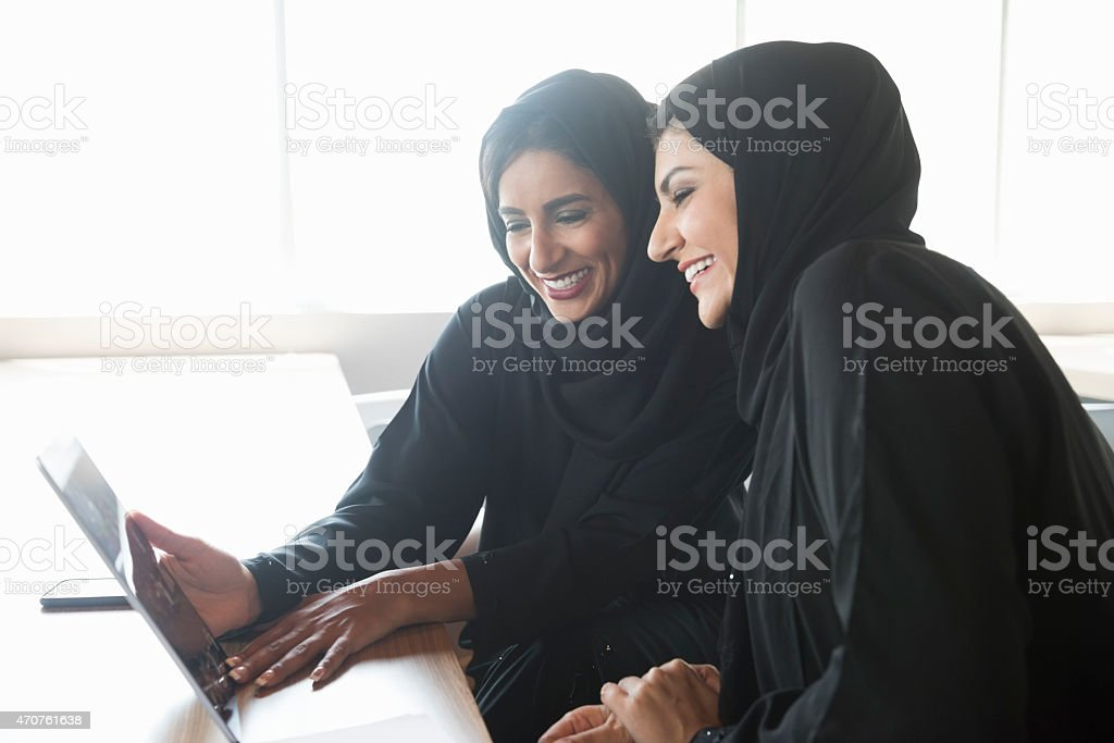 women translate arabic, arabic translation office