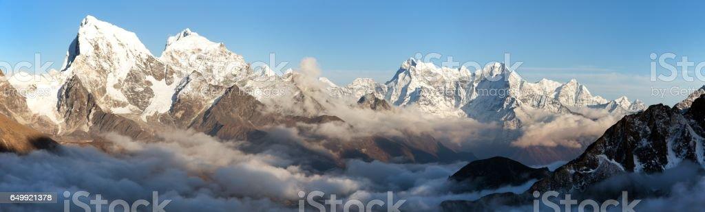 Arakam Tse, Cholatse and other peaks in Everest area stock photo