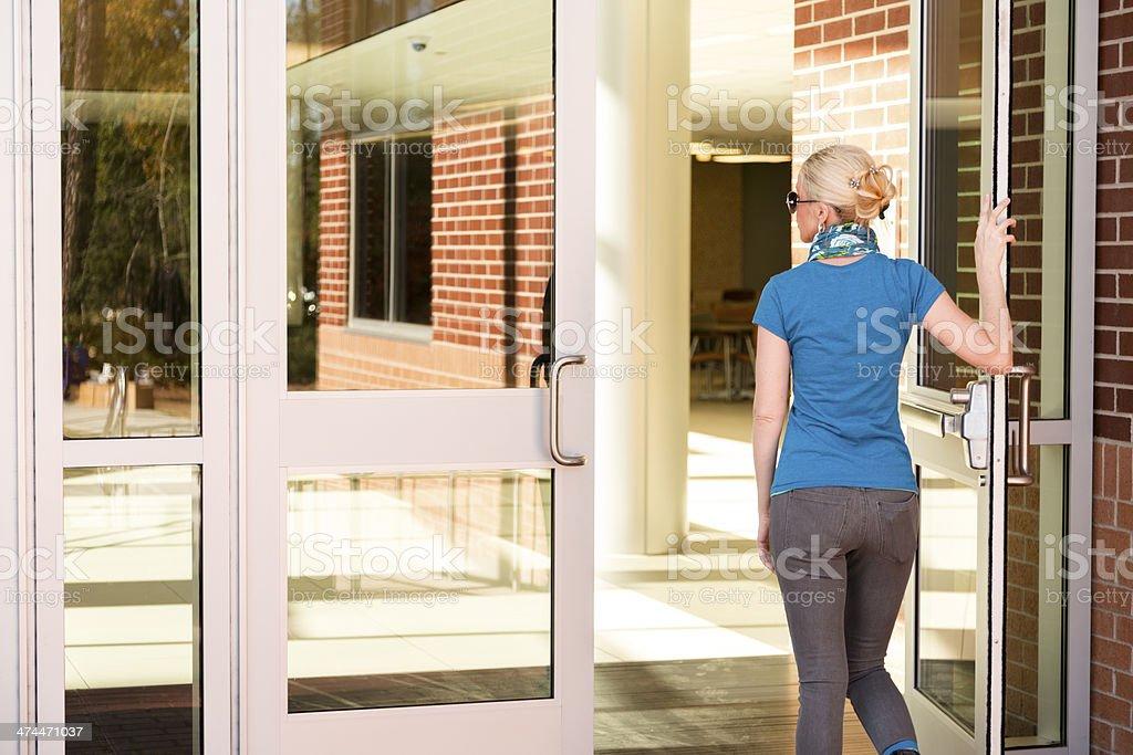 Fascinating 40 Walking Through Front Door Design Inspiration Of Man