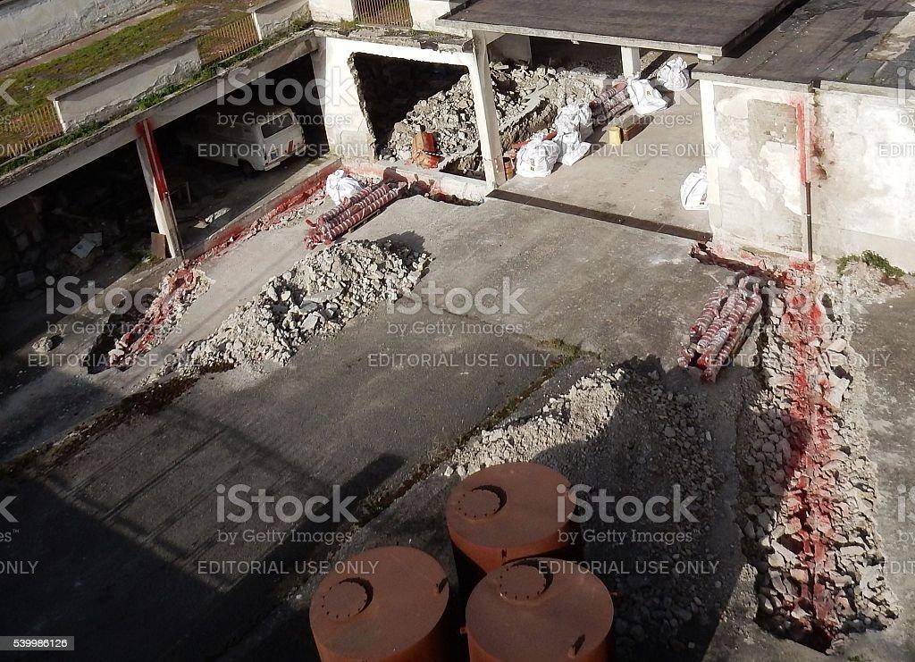 Cantiere per la bonifica amianto stock photo