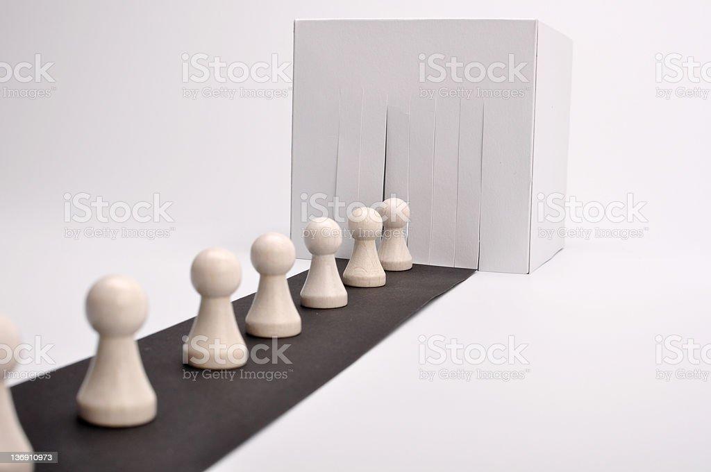 Ligne de production de l'Assemblée et des figurines blanc photo libre de droits
