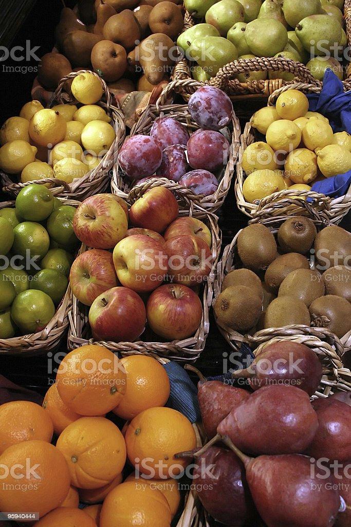 Assortiment de fruits frais Organic photo libre de droits