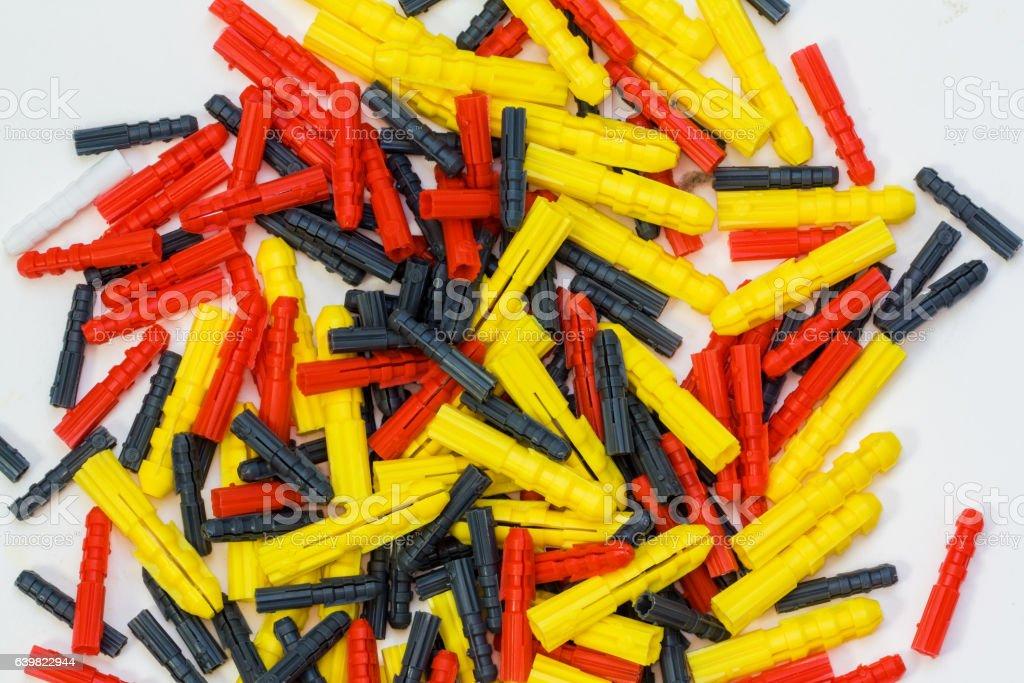 Assortiment de chevilles en plastique stock photo