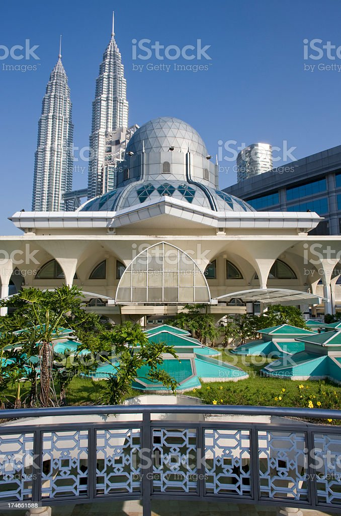 Asy-Syakirin Mosque with the Petronas Towers behind. royalty-free stock photo