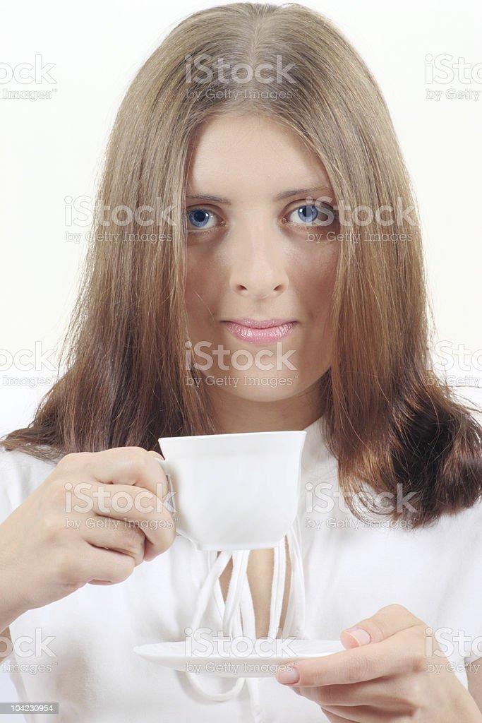 Atrakcyjna Dziewczyna z biały Kubek zbiór zdjęć royalty-free