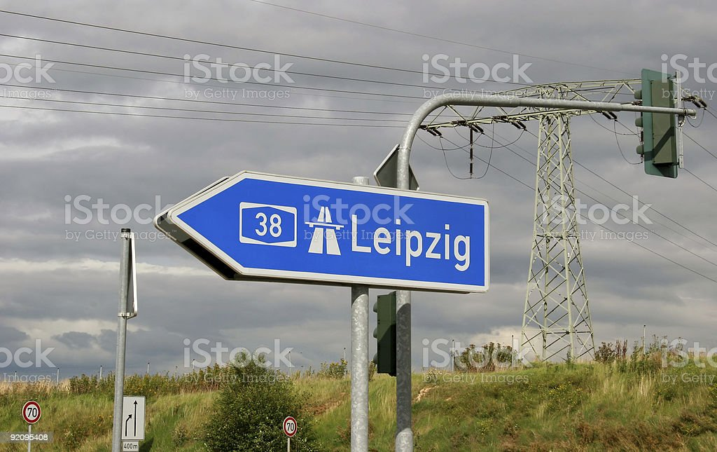 Autobahn-Wegweiser nach Leipzig royalty-free stock photo
