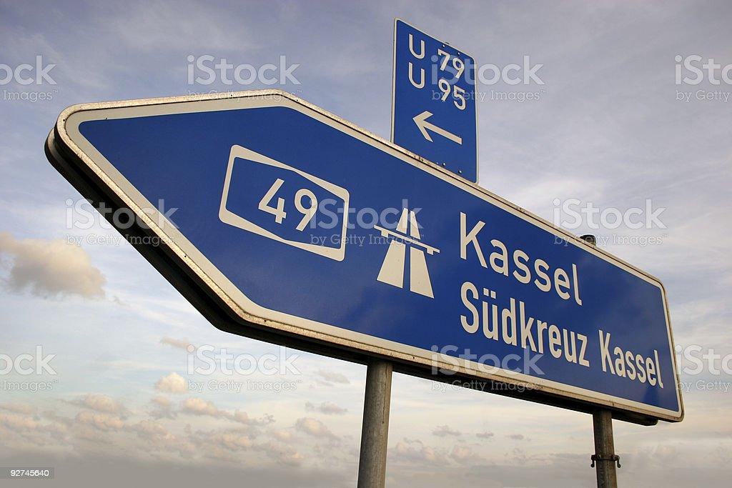 Autobahn-Wegweiser Richtung Kassel stock photo