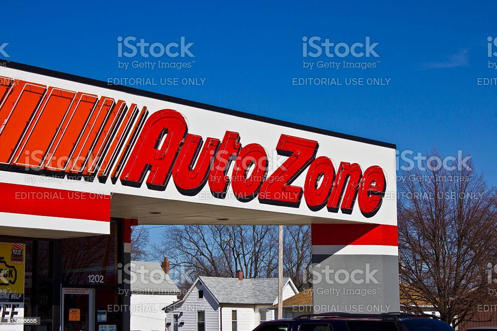 Indianapolis-mars 2016 : AutoZone boutique III photo libre de droits