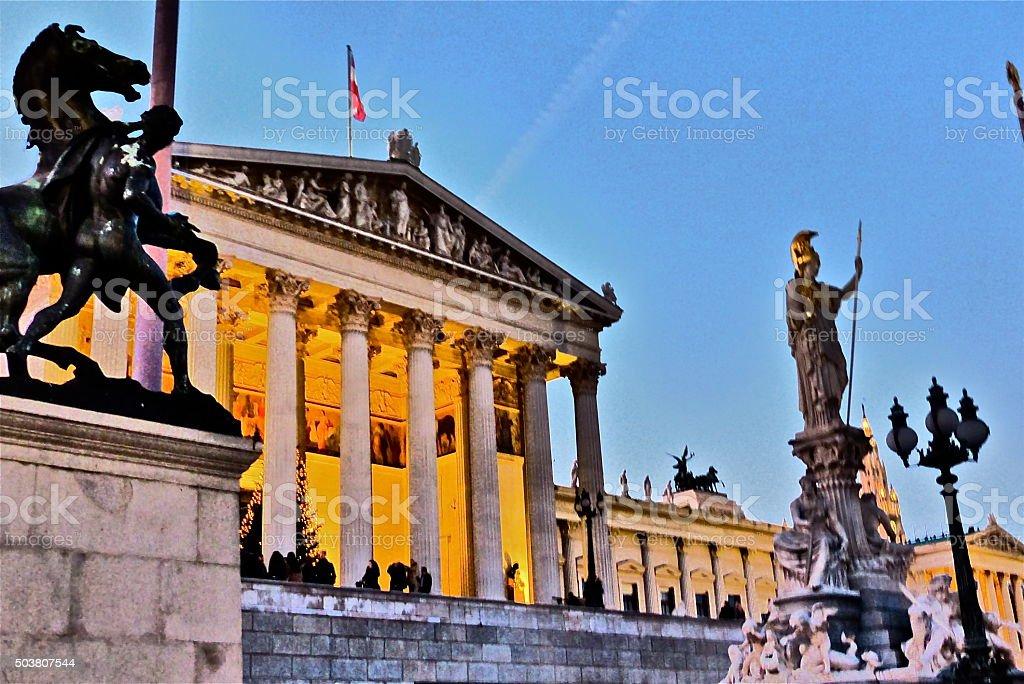 Autriche-Vienne, Parlement, statues, architecture stock photo