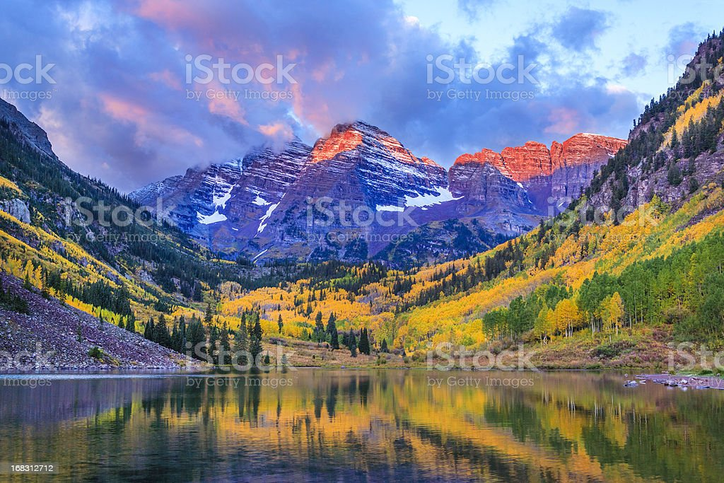 autumn colors at Maroon Bells and Lake stock photo