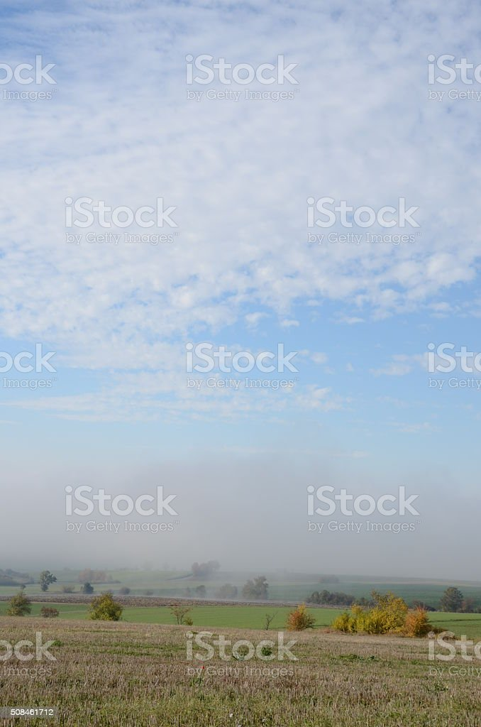 Herbstlandschaft im Nebel stock photo
